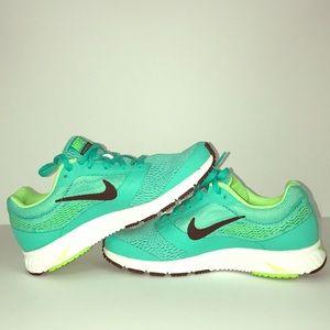 Nike Zoom Fly 2👟